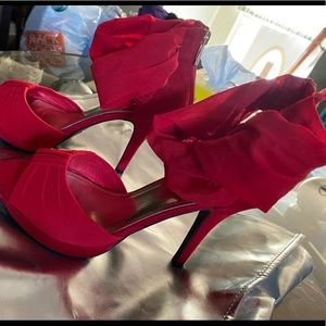 Woman's heels size 9 red